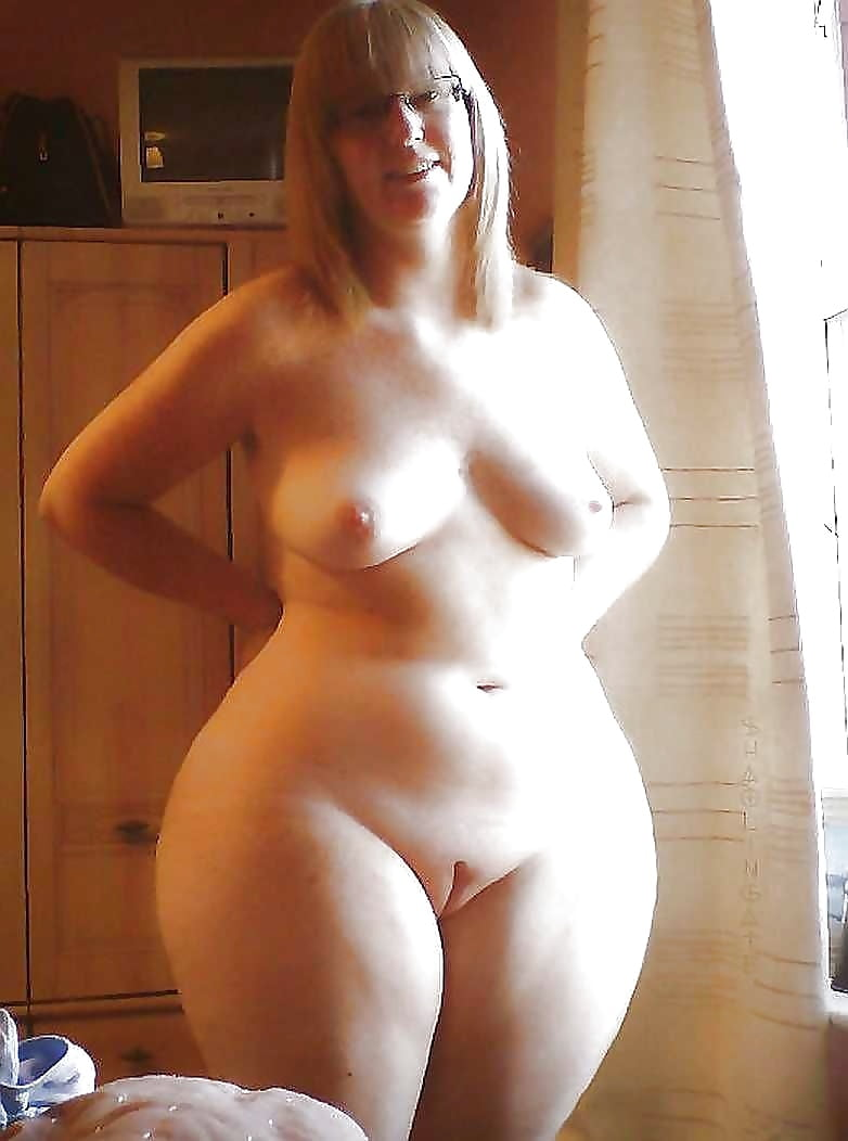 hot solo naked girls